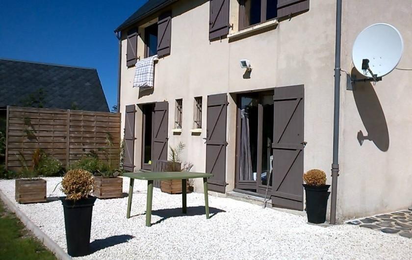 Location de vacances - Appartement à Chastreix - facade sud