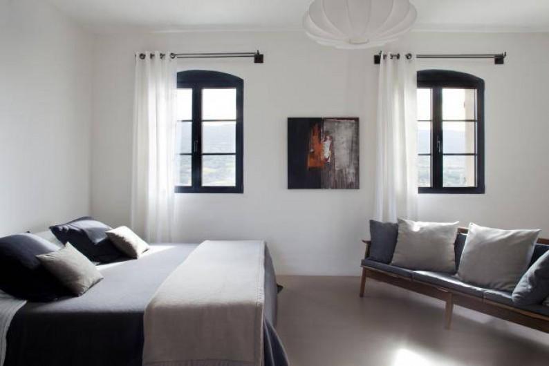 Location de vacances - Chambre d'hôtes à Méthamis - Chambre Cocoon avec jacuzzi, superbe vue sur la vallée