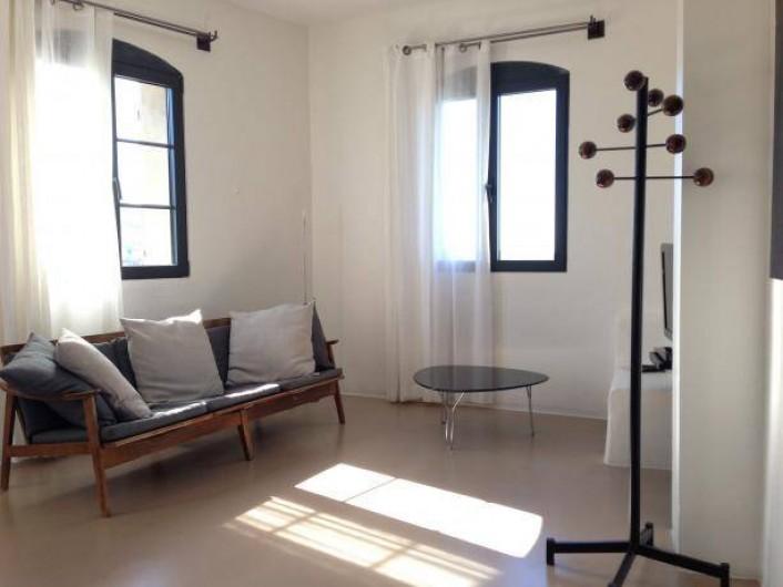 Location de vacances - Chambre d'hôtes à Méthamis - Ambiance indus, contemporaine das la chambre Cocoon
