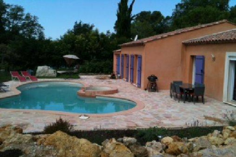 Location de vacances - Villa à Lorgues - maison tout confort  pièce à vivre climatisée