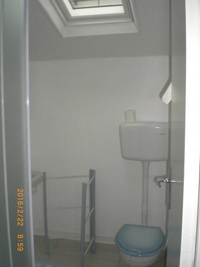 Location de vacances - Villa à Carnac - Salle de douche et toilettes
