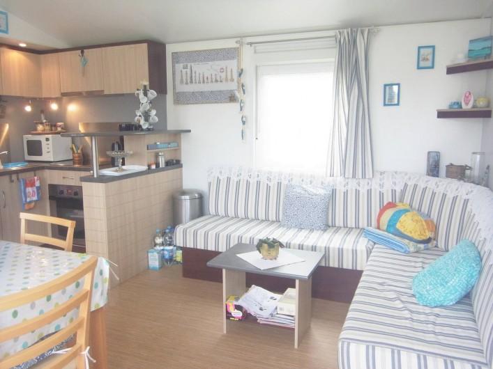 Location de vacances - Bungalow - Mobilhome à Plouhinec - Salon mobilehome