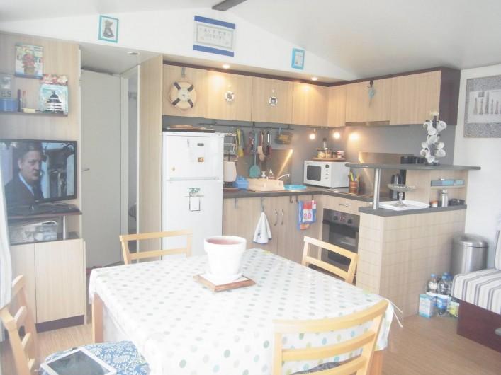 Location de vacances - Bungalow - Mobilhome à Plouhinec - Cuisine mobilehome