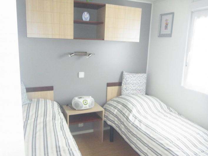 Location de vacances - Bungalow - Mobilhome à Plouhinec - Chambre 2 mobilehome