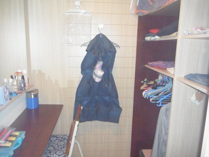 Location de vacances - Bungalow - Mobilhome à Plouhinec - Dressing chambre 1 mobilehome