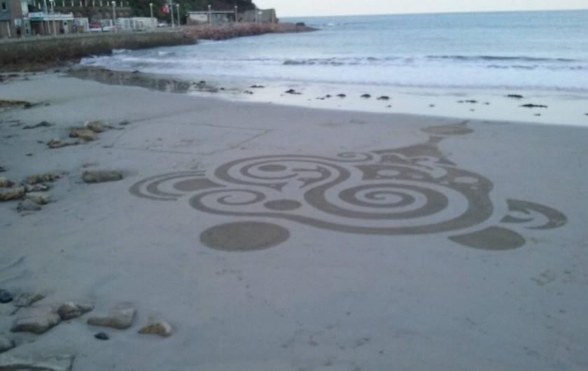 Location de vacances - Appartement à Perros-Guirec - plage de trestraou  belle plage de sable fin a 50 m de l appartement