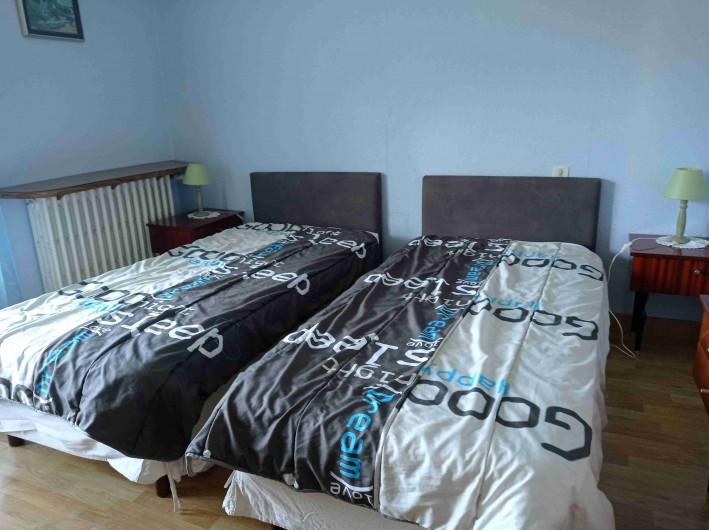 Location de vacances - Gîte à Saint-Jacques-des-Blats - CHAMBRE2