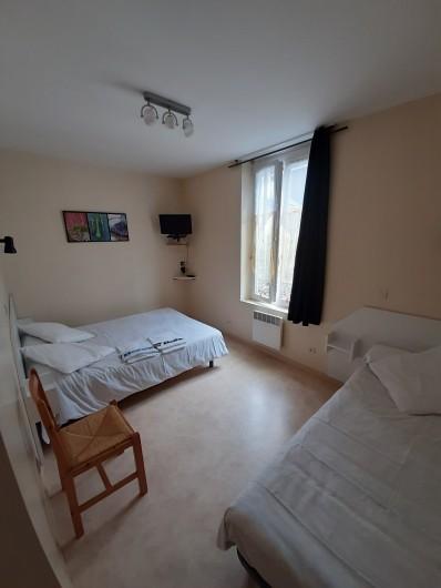 Location de vacances - Appartement à La Bourboule - chambre