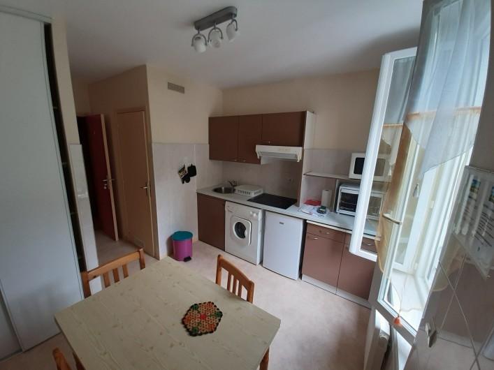 Location de vacances - Appartement à La Bourboule - cuisine