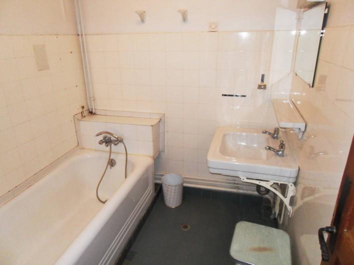 Location de vacances - Chalet à Saint-Bonnet-en-Champsaur - Salle de bains (1 ér étage)