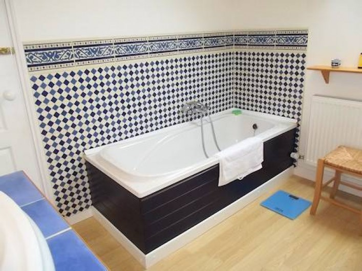 Location de vacances - Gîte à Saint-Maigner - salle de bain Grande Chouette