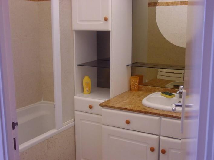 Location de vacances - Appartement à Le Gosier - Appartement  F3 Salle de bain Baignoire/douche