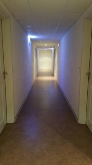Location de vacances - Studio à Aix-en-Provence - Couloir