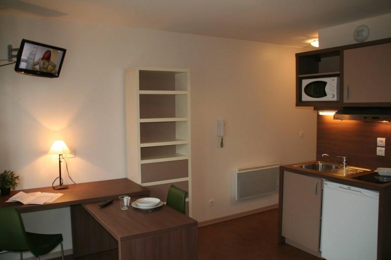 Location de vacances - Studio à Aix-en-Provence - Coin salle à manger/ cuisine