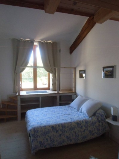 """Location de vacances - Chambre d'hôtes à Bertrambois - Chambre """"Le Pré Cézanne""""  capacité de 3 personnes."""