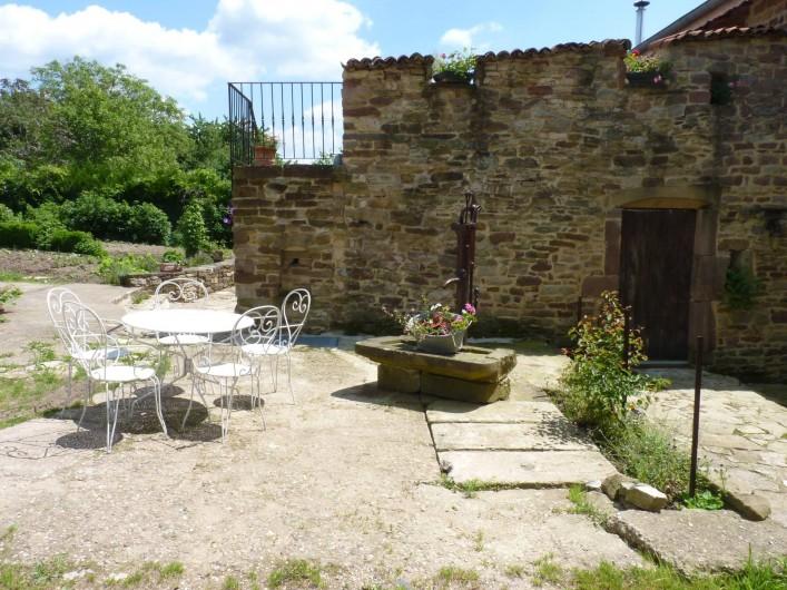 Location de vacances - Chambre d'hôtes à Bertrambois - Salon extérieur.
