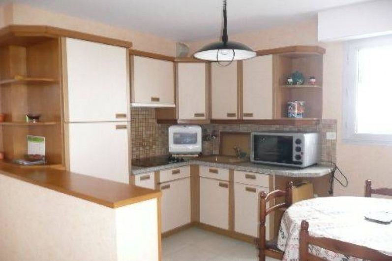 Location de vacances - Appartement à Saint-Quay-Portrieux - cuisine  américaine