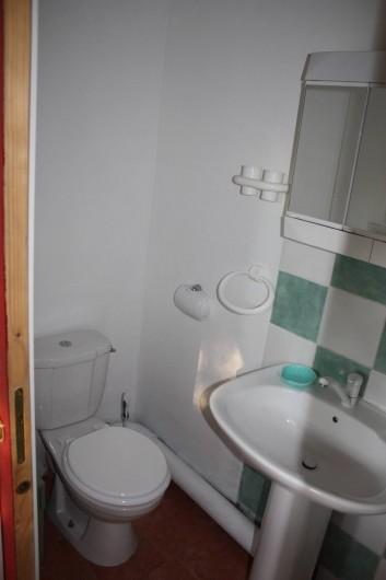 Location de vacances - Maison - Villa à Pietrosella - Salle d'eau .WC lavabo, douche.