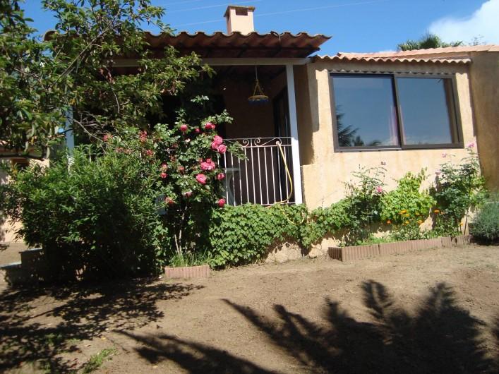 Location de vacances - Villa à Saint-Florent - Location photographiée du jardin