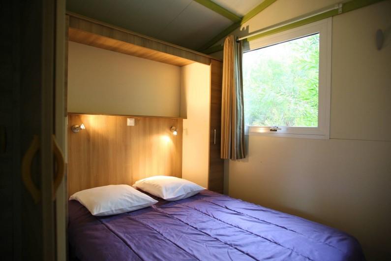 Location de vacances - Bungalow - Mobilhome à Calvi - chambre parentale  1 lit 140cm