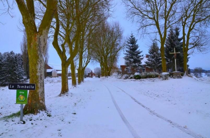 Location de vacances - Gîte à Marle - Vue d'hivers des Gîtes sur l'entrée
