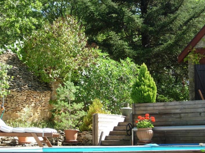 Location de vacances - Gîte à Aubas - Pour passer d'une terrasse à l'autre