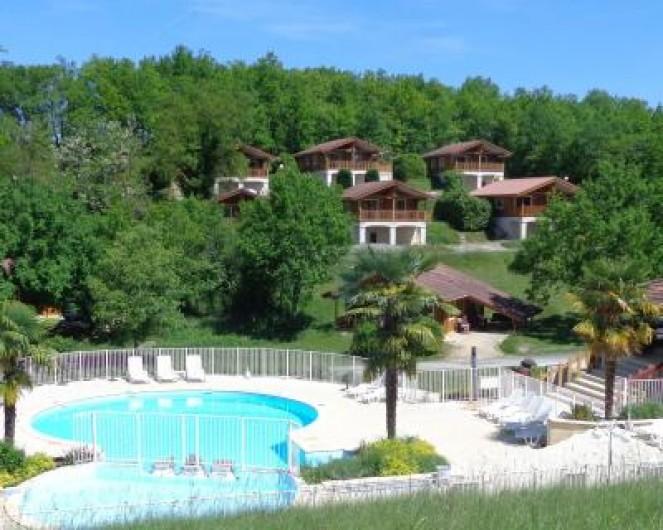 Location de vacances - Chalet à Mauroux - Piscine
