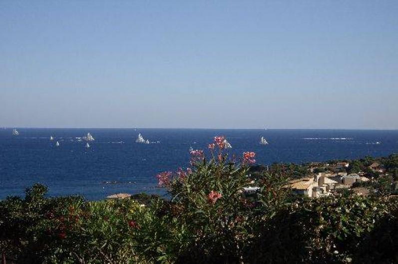 Location de vacances - Villa à Les Issambres - VUE MER PENDANT VOILES DE ST TROPEZ