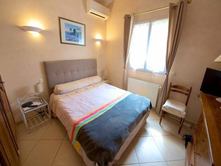 Location de vacances - Villa à Les Issambres - CHAMBRE REZ DE CHAUSSEE