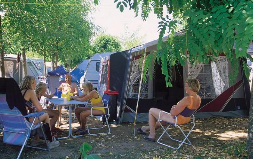 Location de vacances - Camping à Joyeuse - Emplacements