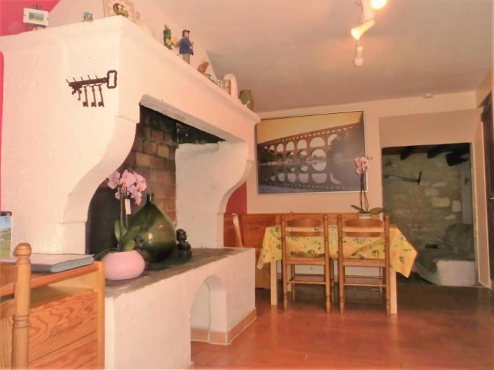 Location de vacances - Maison - Villa à Saint-Rémy-de-Provence - Le salon cheminée