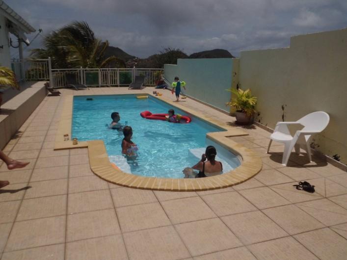 Location de vacances - Studio à Terre-de-Haut - la piscine familliale