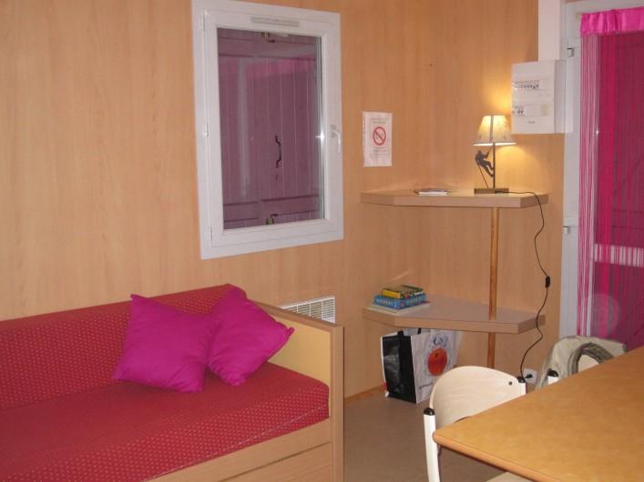 Location de vacances - Bungalow - Mobilhome à Nantua - Chalet 4/6 pers intérieur