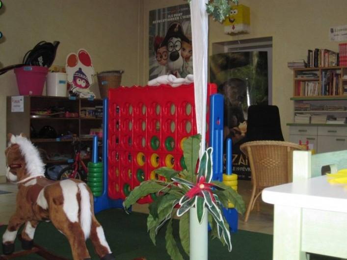 Location de vacances - Bungalow - Mobilhome à Nantua - Salle de jeux enfants