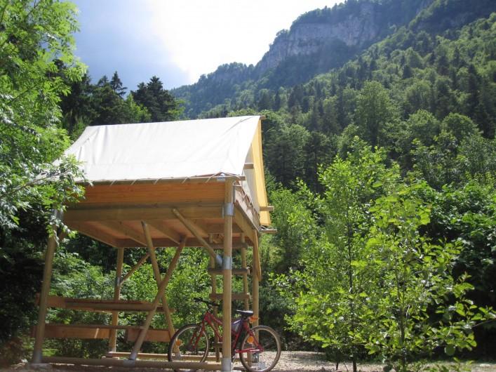 Location de vacances - Bungalow - Mobilhome à Nantua - Tente Bivouac perchée 2 pers