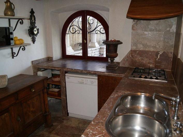 Location de vacances - Villa à Kassiopi - Villa Alexia. La cuisine.