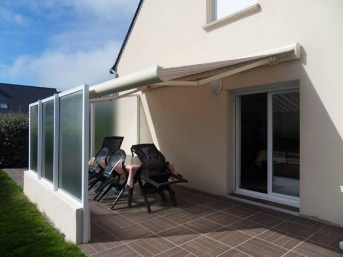 Location de vacances - Maison - Villa à Erdeven - Terrasse avec store électrique