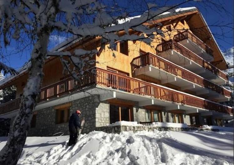 Location de vacances - Appartement à Méribel - Situé au pied des pistes, l'appartement est au RDC, départ skis aux pieds!!