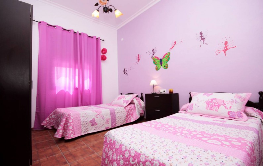 Location de vacances - Villa à Séville - Chambre enfants