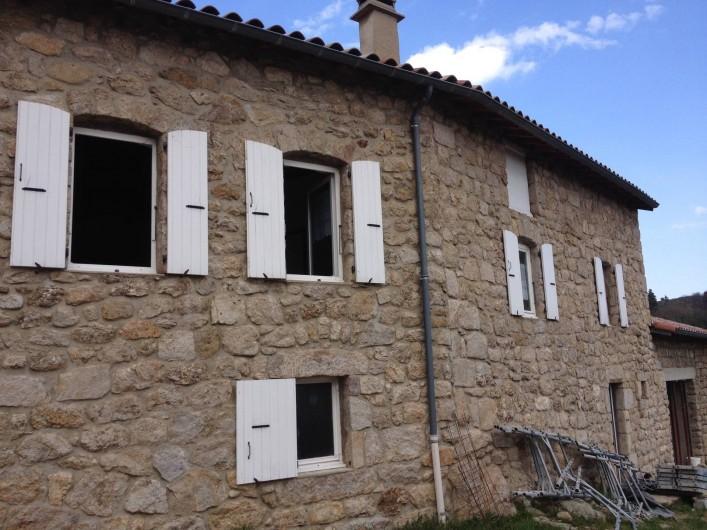 Location de vacances - Maison - Villa à Saint-Julien-Labrousse - façade sur avant la fin des travaux