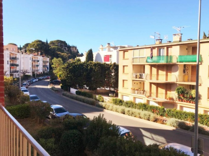 Location de vacances - Appartement à Cassis - VUE SUE LE CHATEAU MEDIEVAL