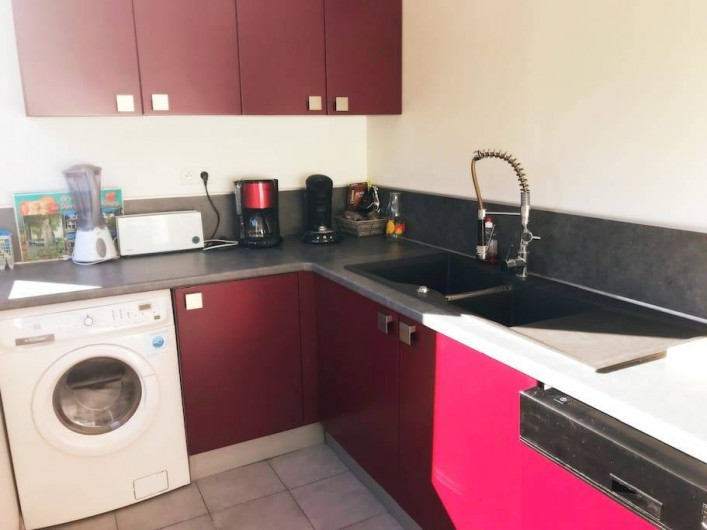 Location de vacances - Appartement à Cassis - Cuisine ouvert sur le salon-séjour