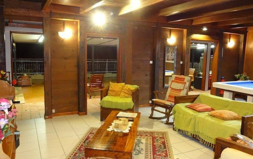 Location de vacances - Villa à Bouillante - Séjour avec billard