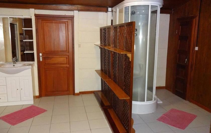 Location de vacances - Villa à Bouillante - 1 des 3 salles de bain