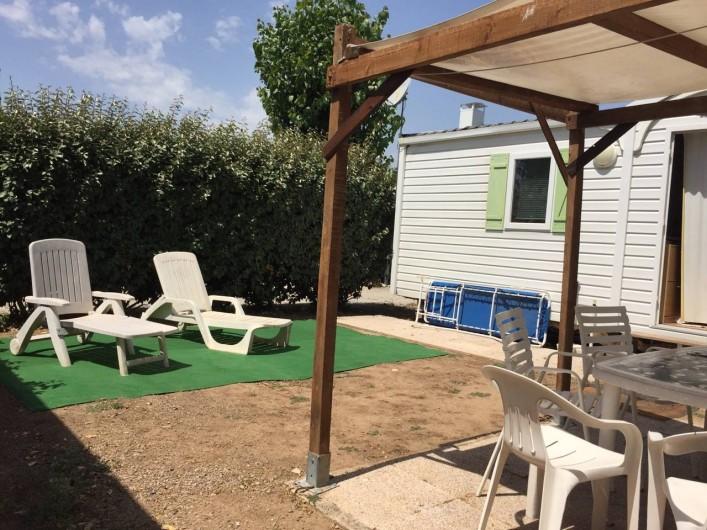 Location de vacances - Bungalow - Mobilhome à Saint-Aygulf - terrasse été
