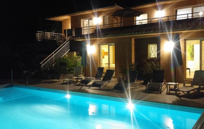 Location de vacances - Villa à Favone - Espace piscine pour bains de minuit ...