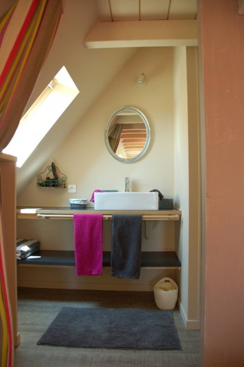 Location de vacances - Chambre d'hôtes à Mauzac-et-Grand-Castang - Chambre du haut
