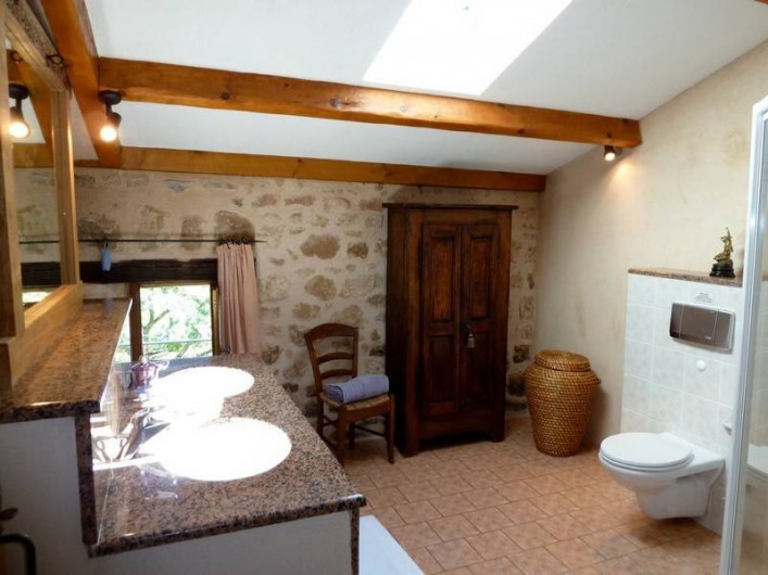 Location de vacances - Gîte à Rosières - Salle de bain (2ième étage)