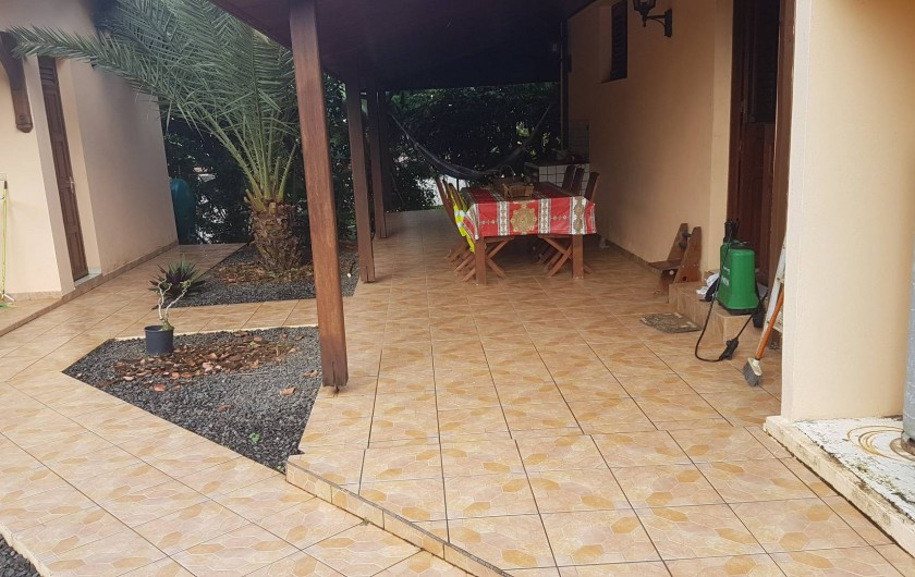 Location de vacances - Villa à Le Lamentin - salle à manger exterieure