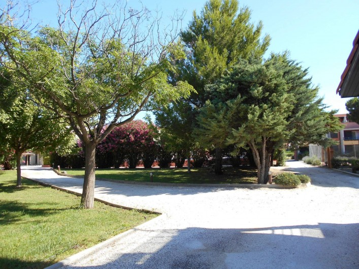 Location de vacances - Appartement à Alénya - Vue de l'accès .